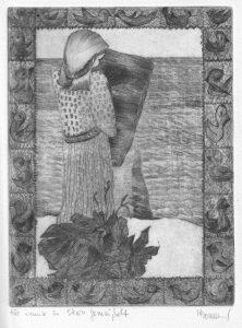 Frau mit Steintafel vor einer Mauer